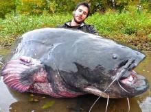 อภิมหาปลาดุกยักษ์!! เห็นภาพแล้วคือจะใหญ่ไปไหน!??