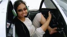นักบินไร้แขนคนแรกของโลก