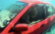 ทำอย่างไร? หากรถยนต์จมน้ำ ตื่นตระหนก ไม่มีมีสติ อาจเสียชีวิตได้ นี่คือเทคนิคการเอาตัวรอดที่ถูกวิธี!!