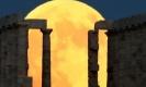 ชมจันทร์เพ็ญสีเลือดคืนวันอาสาฬหบูชาจากมุมต่าง ๆ ของโลก