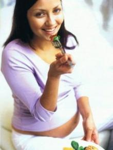 ชวนคุณแม่ตั้งครรภ์กินผลไม้ ... แก้ท้องผูก
