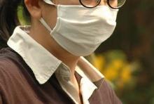 สาวจีน สวมหน้ากากทำงานออฟฟิศ