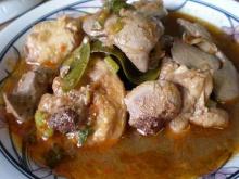 แกงอ่อมไก่