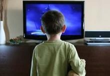เปิดทีวีทิ้งไว้ทำให้เด็กก้าวร้าว