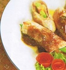 ปลาทับทิมม้วนผัดน้ำมันหอย