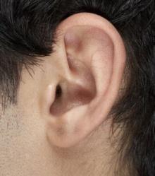 """""""ขี้หู"""" ควรแคะหรือไม่"""
