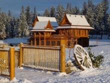 สุดยอด ! เรือนไทยกลางหิมะ ที่แคนาดา