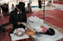 ฮือฮาที่สุดแห่งรักแท้ 'เจ้าบ่าว' แต่งงานกับศพเจ้าสาว