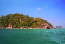 ทะเลสวยน้ำใสที่ เกาะไหง