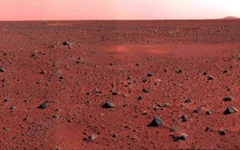 NASA เผยภาพบนดาวอังคารพื้นสีแดงอ่อน