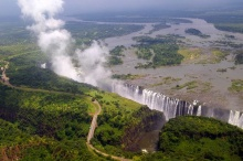 น้ำตกวิกตอเรีย หนึ่งในน้ำตกที่สวยที่สุดในโลก