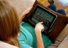 เล่น iPad อย่างไรไม่ให้ปวดหลัง