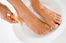 น้ำกัดหรือเชื้อรากัดเท้ากันแน่