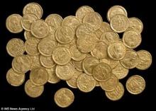 หนุ่มเฮถูกหวยซื้อเครื่องตรวจโลหะถูก ๆ ก่อนพบเหรียญยุคโรมันสมบูรณ์แบบ มูลค่า 5 ล้านบ.(