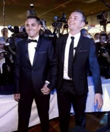 ฝรั่งเศสจัดพิธีสมรสเกย์ครั้งแรกในประวัติศาสตร์