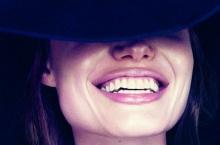 วัสดุที่อุดฟันเปลี่ยนสีควรรีบปรึษาแพทย์