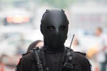 ชุดเกราะตำรวจใต้หวันทำประชาชนหลอน คล้ายหนังเจสัน ศุกร์13