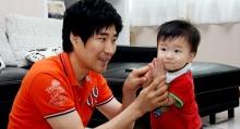 """""""น้องเซชุนมิน"""" ลูกชายตัวน้อยหนึ่งกำลังใจดีๆ ของ """"โค้ช เช"""""""