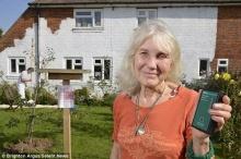 คุณยายวัย 72 ปี ทุ่มเงินกว่า 2 แสนบาท เพื่อบล็อค Wi-Fi เพราะ?