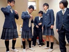 ไอเดียแปลก! รร.ญี่ปุ่นให้นร.ชายหญิงแลกเสื้อกันใส่ เพื่อเข้าใจกัน!