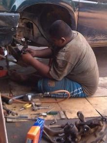 ชื่นชม น้องเปา วัย 14 รับจ้างซ่อมรถ แบ่งเบาครอบครัว