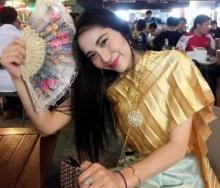 คุณหลอกดาว! ที่แท้ สาวชุดไทย สุดฮือฮา ....?