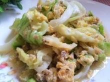 วิธีทำกะหล่ำปลีผัดไข่ เมนูแก้หิวยามสิ้นเดือน อาหารง่าย ๆ สไตล์เด็กหอ