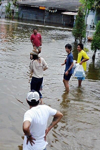 ประมวลภาพสถานการณ์ล่าสุด จาก จ.ลพบุรี(1)