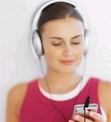 อันตรายจากการฟังเพลงดังเกินไป เสี่ยงเกิดปัญหาด้านโสตประสาท