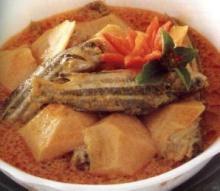 แกงคั่วกระท้อนปลาแขยง