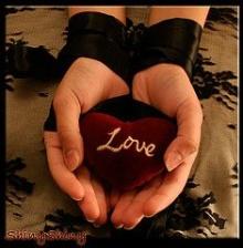 ♣ ใครว่ารัก ..... จับต้องไม่ได้ ♣