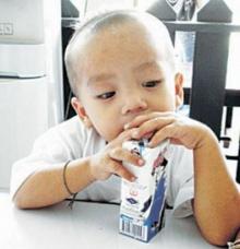 ดื่มนมมากเกินวันละ 2 กล่อง กระตุ้นสลายกระดูกในผู้ใหญ่