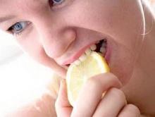 กินของเปรี้ยวทำไมเสียวฟัน