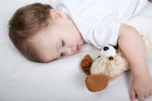 การนอนกลางวันของเด็ก ทำให้ลดความเครียดของเด็ก