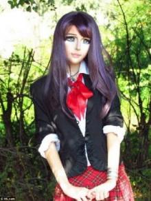 เปลี่ยนตัวเองเป็นตุ๊กตาการ์ตูนญี่ปุ่น