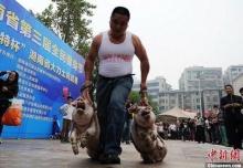 วิ่งหิ้วหมู ฉลองวันชาติที่เมืองจีน