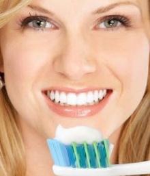 ถูฟันแรงไป…ทำให้ฟันเหลือง