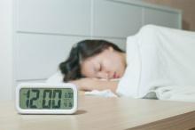 นอนหลับยาววันหยุด ทำเบลอได้ในเช้าวันจันทร์