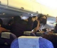 ป่วนซ้ำรอย'แอร์เอเชีย' ผู้โดยสารจีนตบกันนัวบนเครื่องบิน !!!