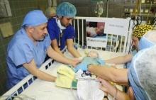 ผ่าตัดฝาแฝดสยาม - ทีมแพทย์แยกร่าง 2 ทารก!