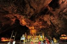 ลุยถ้ำกระแซ จังหวัดกาญจนบุรี
