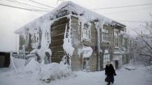 วิถีชีวิตของชาวเมืองในรัสเซียที่อุณหภูมิต่ำกว่า -50 องศาฯ (คลิป)
