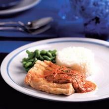 ฉู่ฉี่ปลากระพงกับข้าวหอมมะลิคลุกเนย