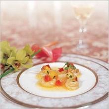 สลัดหอยเชลล์ซอสผลไม้