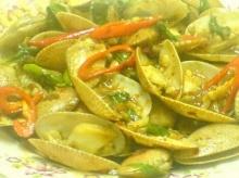 หอยลายผัดพริกไทยดำ