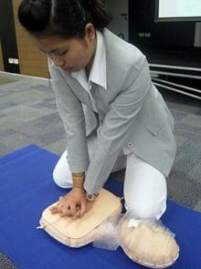 ทำ CPR ช่วยชีวิตขั้นพื้นฐาน