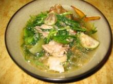 แกงอ่อมไก่ใส่ผักชีลาว