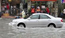 ขับรถอย่างไรเมื่อเจอน้ำท่วม?