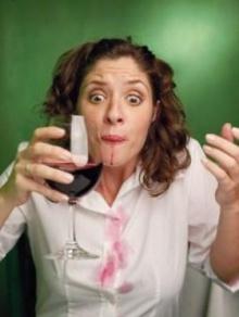 ไวน์แดงหกรดเสื้อ นมแก้ได้