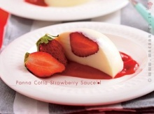 Panna Cotta Strawberry Sauce